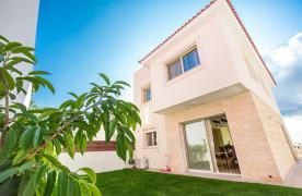 New Modern 3 Bedroom Villa in Mouttagiaka Area - 20