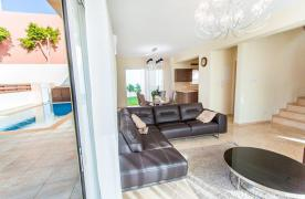 New Modern 3 Bedroom Villa in Mouttagiaka Area - 27