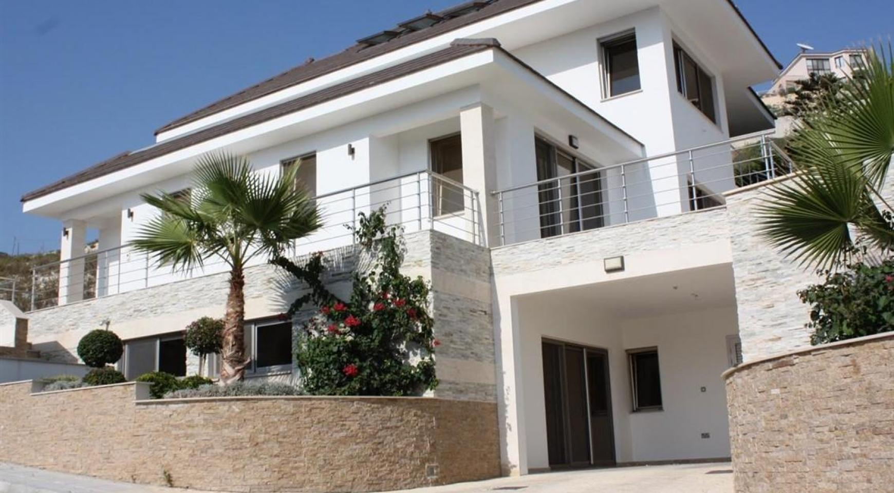 New Luxurious 5 Bedroom Villa with Stunning Views in Agios Tychonas - 2