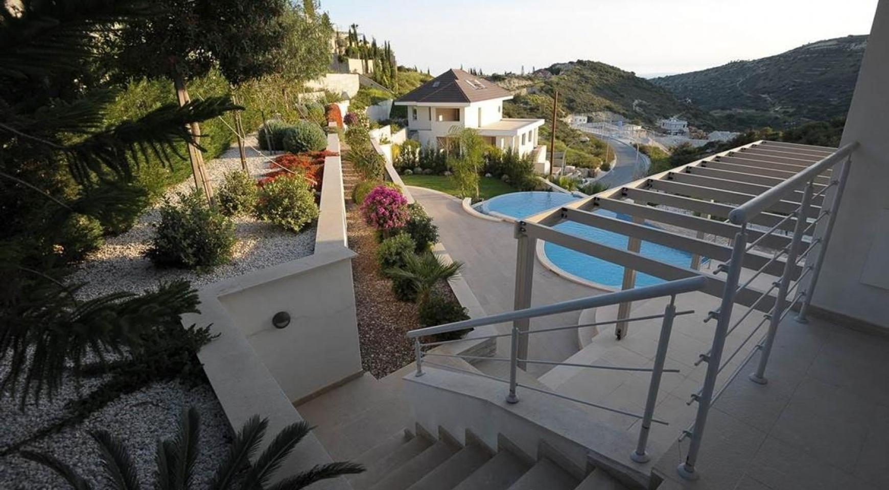 New Luxurious 5 Bedroom Villa with Stunning Views in Agios Tychonas - 1