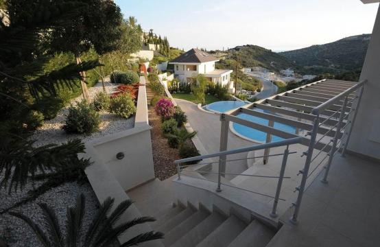 New Luxurious 5 Bedroom Villa with Stunning Views in Agios Tychonas