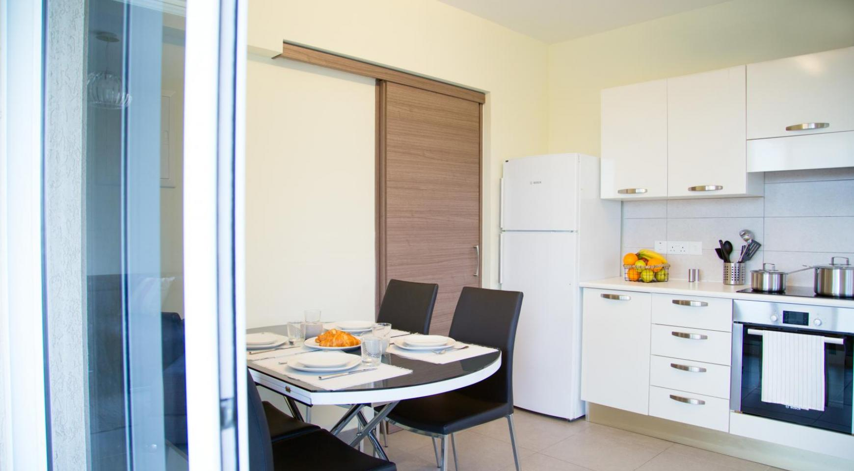 Luxury 2 Bedroom Apartment in the Tourist Area - 13
