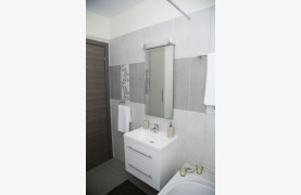 Luxury 2 Bedroom Apartment in the Tourist Area - 33