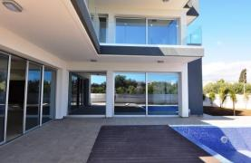 Luxurious Contemporary 5 Bedroom Villa near the Sea - 21