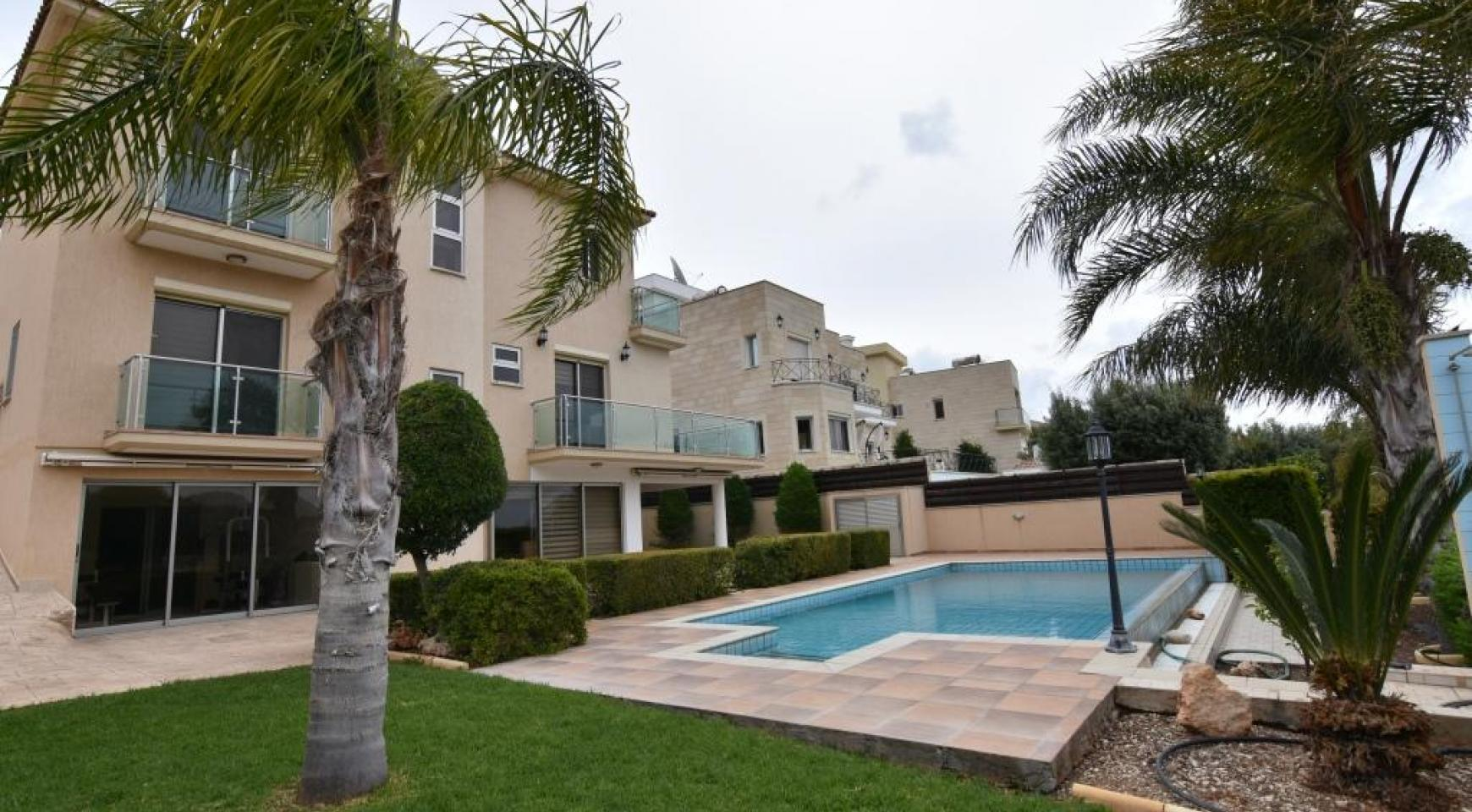 Luxury 4 Bedroom Villa with Stunning Mountain and Sea Views - 3