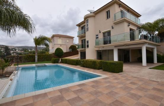 Luxury 4 Bedroom Villa with Stunning Mountain and Sea Views