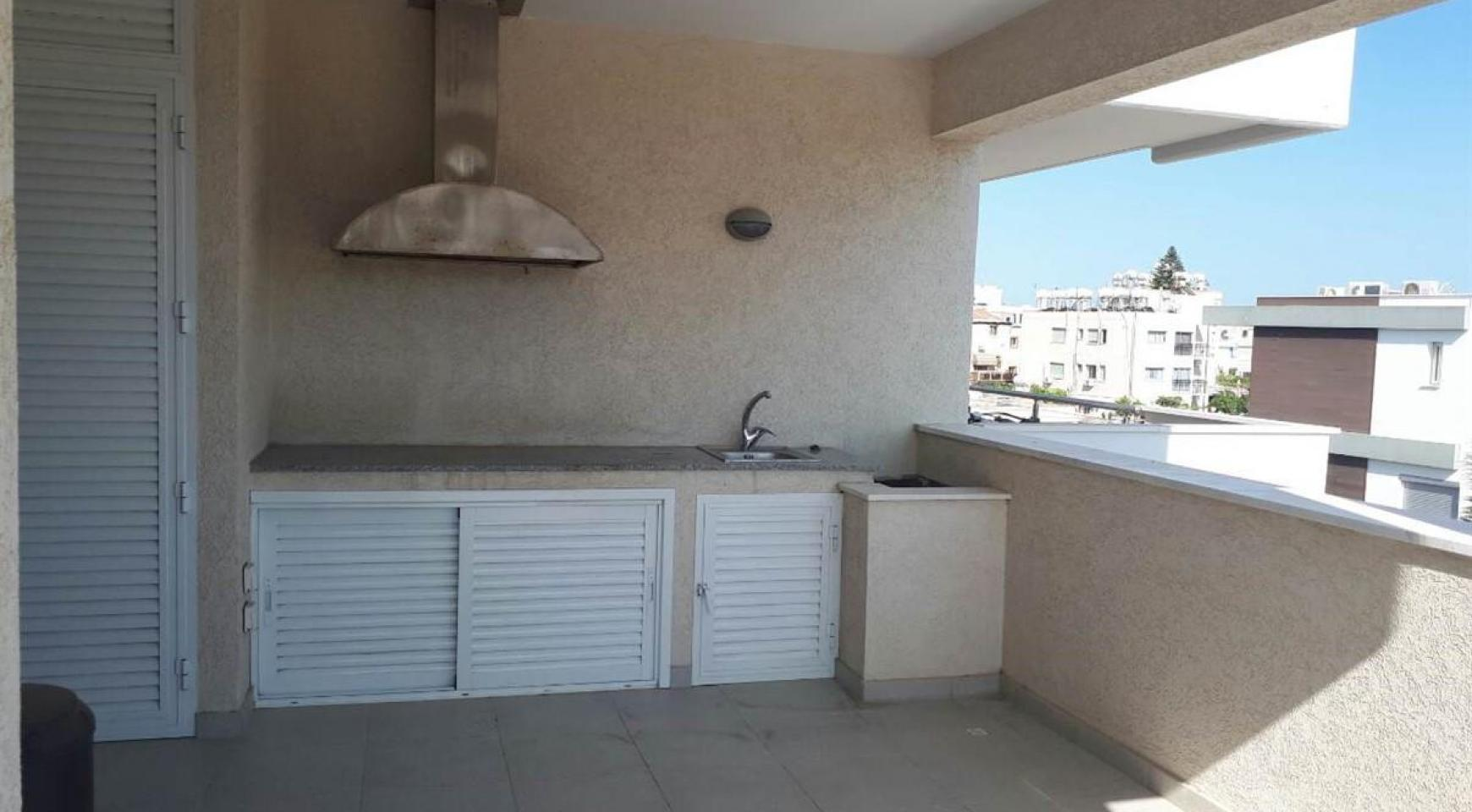 Luxury 3 Bedroom Apartment in the Tourist Area - 9