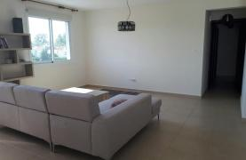 Luxury 3 Bedroom Apartment in the Tourist Area - 18
