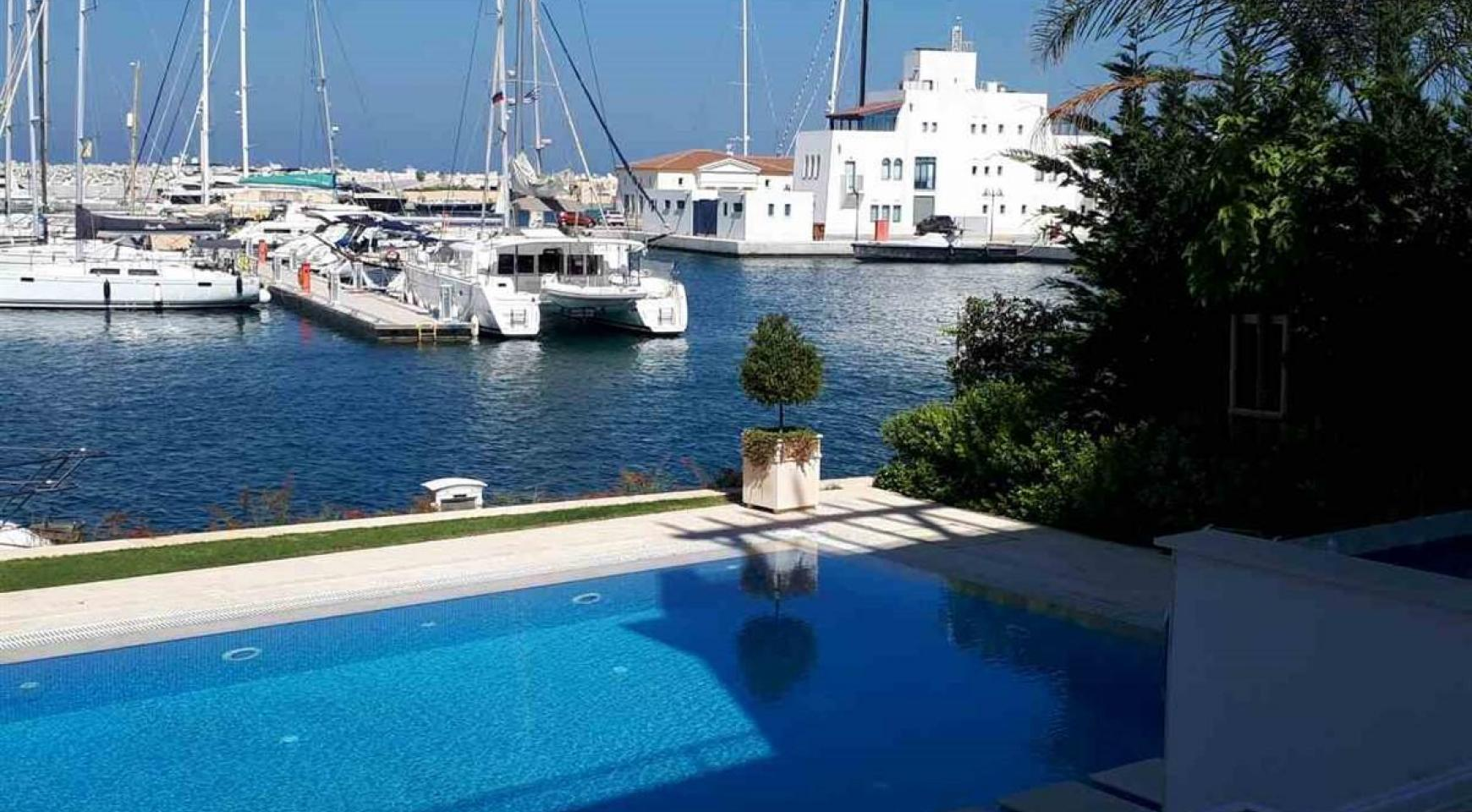 Elite 3 Bedroom Villa within an Exclusive Development by the Sea - 9