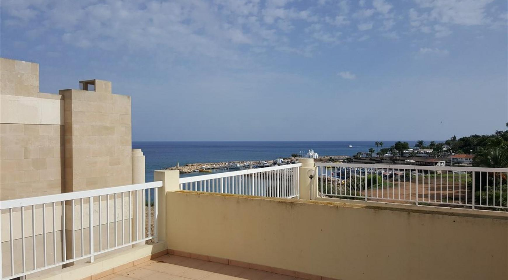 3 Villas with Sea Views in the Prime Seafront Location - 10
