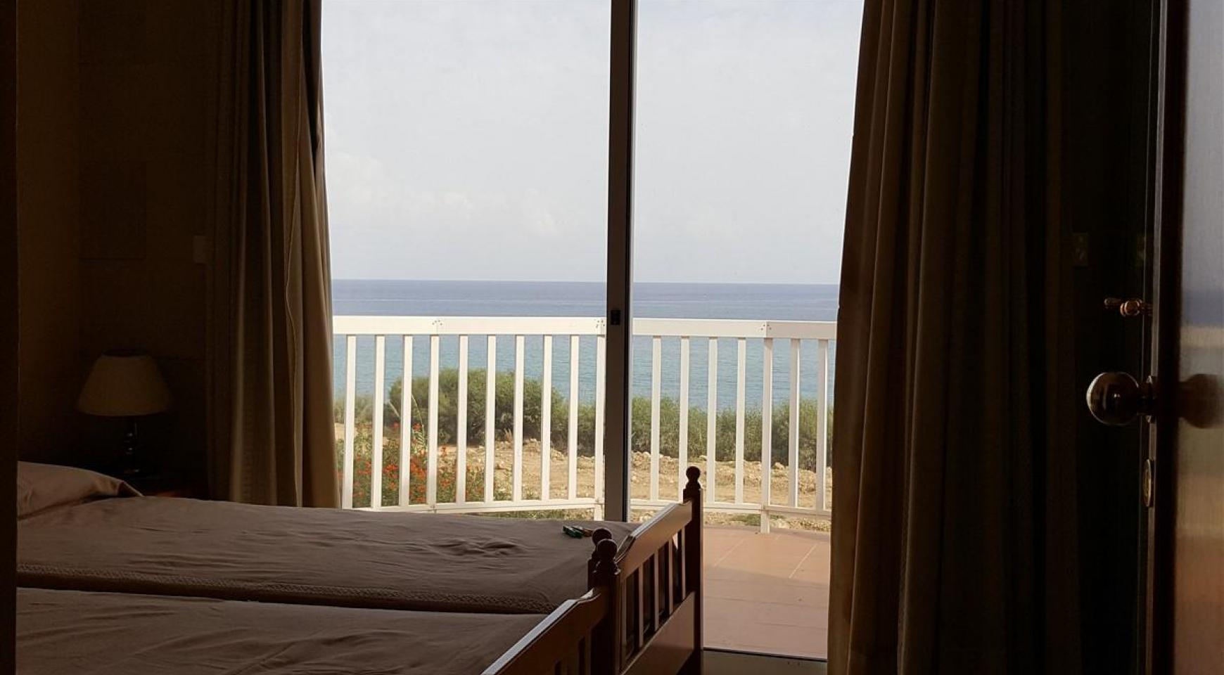 3 Villas with Sea Views in the Prime Seafront Location - 21