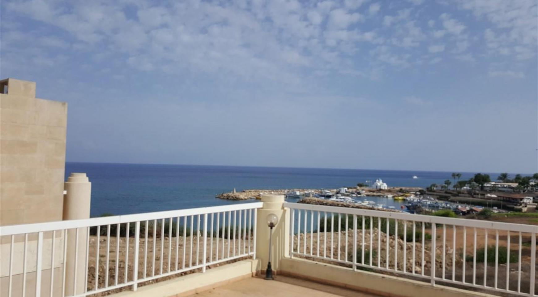 3 Villas with Sea Views in the Prime Seafront Location - 6