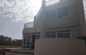 3 Villas with Sea Views in the Prime Seafront Location - 35