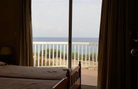 3 Villas with Sea Views in the Prime Seafront Location - 52