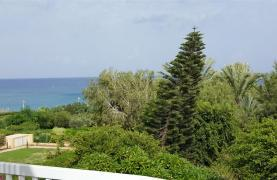 3 Villas with Sea Views in the Prime Seafront Location - 33