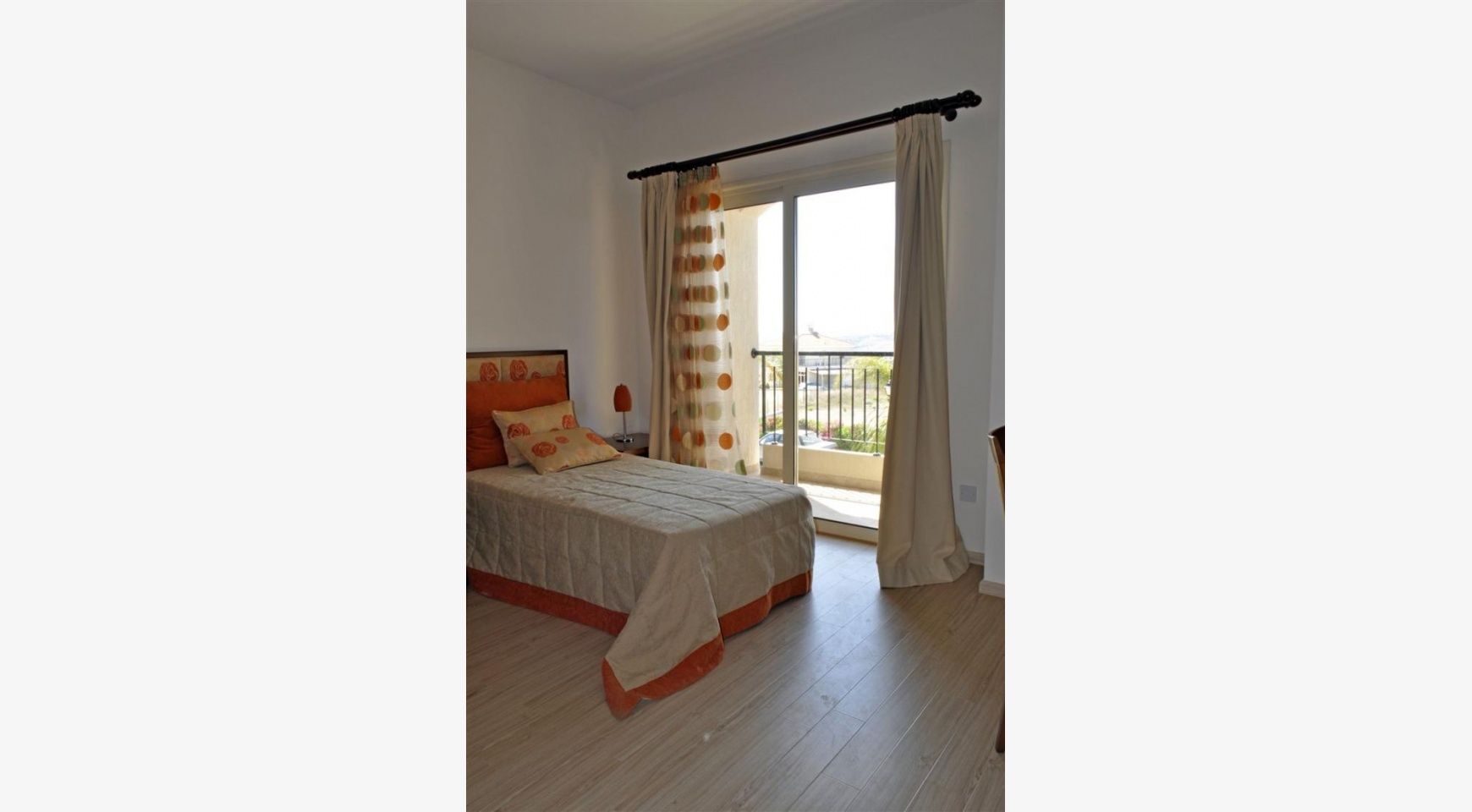 Spacious 3 Bedroom Maisonette in Moni Village - 9
