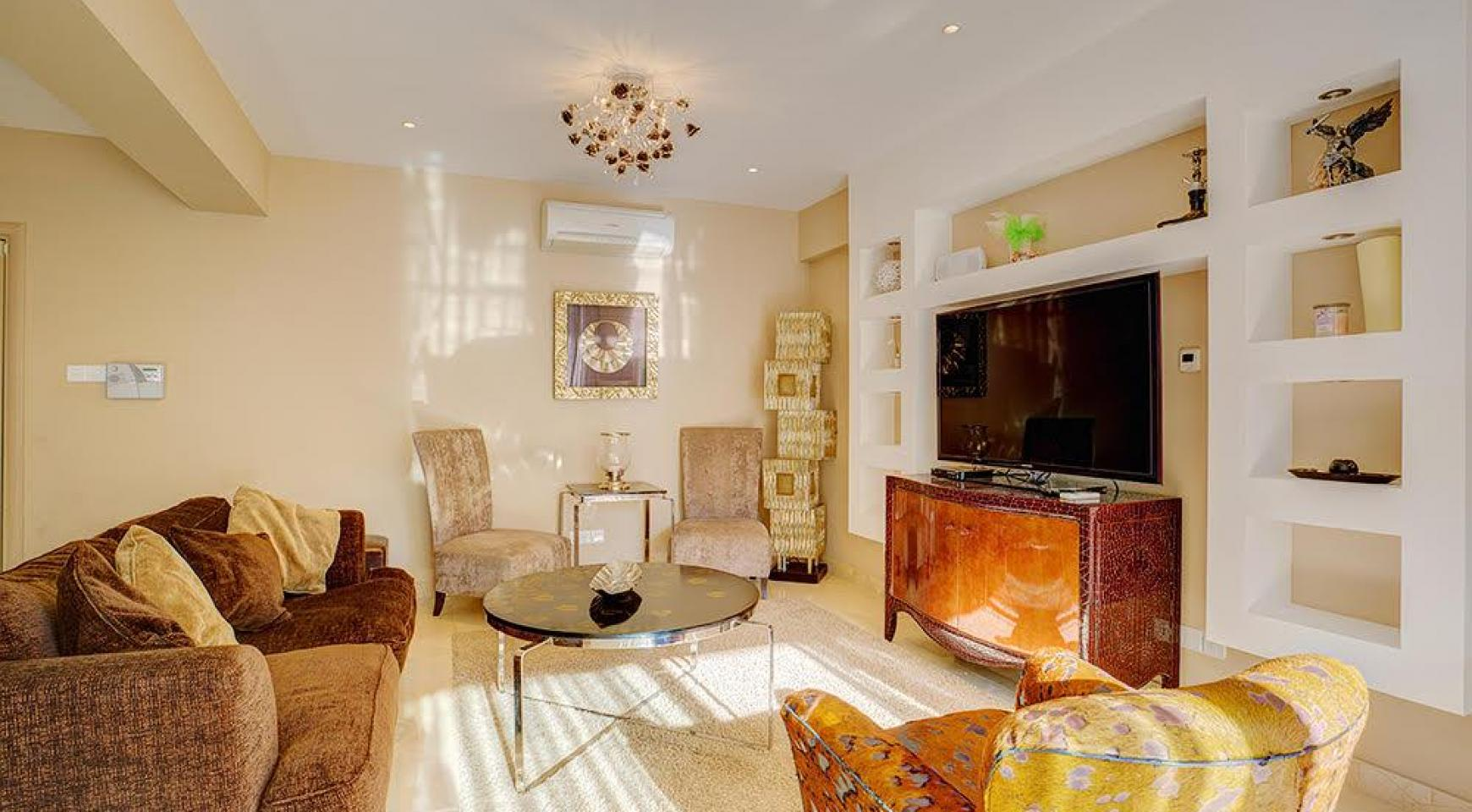 Luxurious 3 Bedroom Apartment on the Seafront - 2