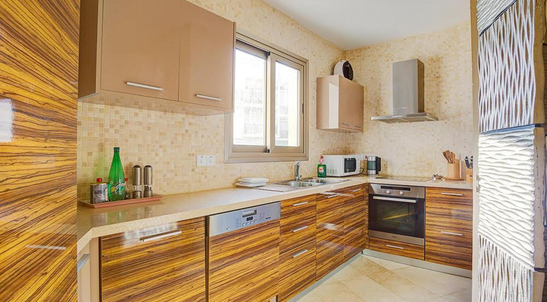 Luxurious 3 Bedroom Apartment on the Seafront - 5