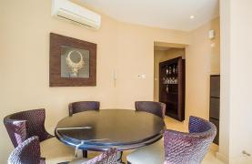 Luxurious 3 Bedroom Apartment on the Seafront - 17