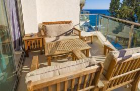 Luxurious 3 Bedroom Apartment on the Seafront - 26