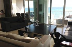 3 Bedroom Apartment on the Seafront - 13