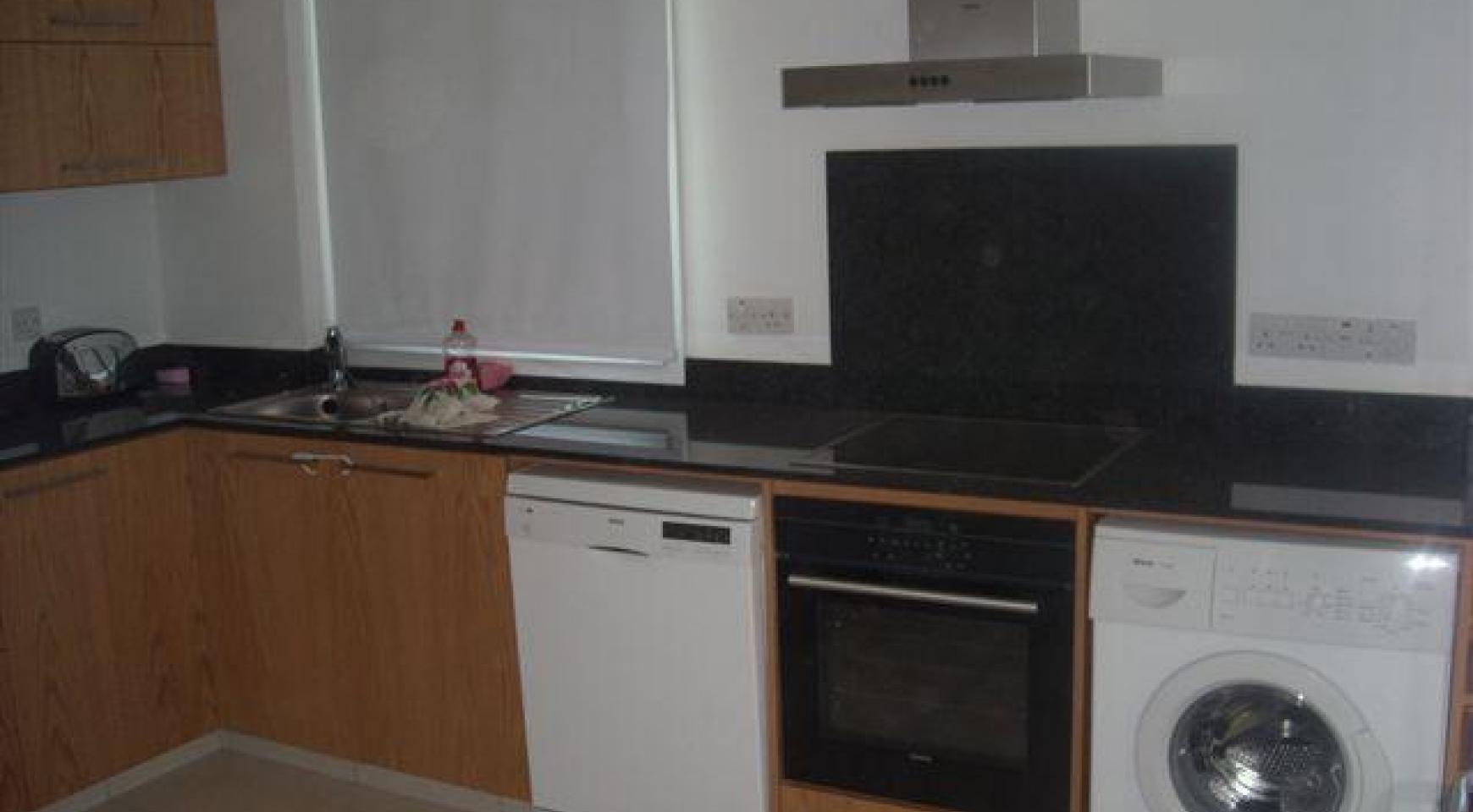 2 Bedroom Apartment in the Town Centre - 4