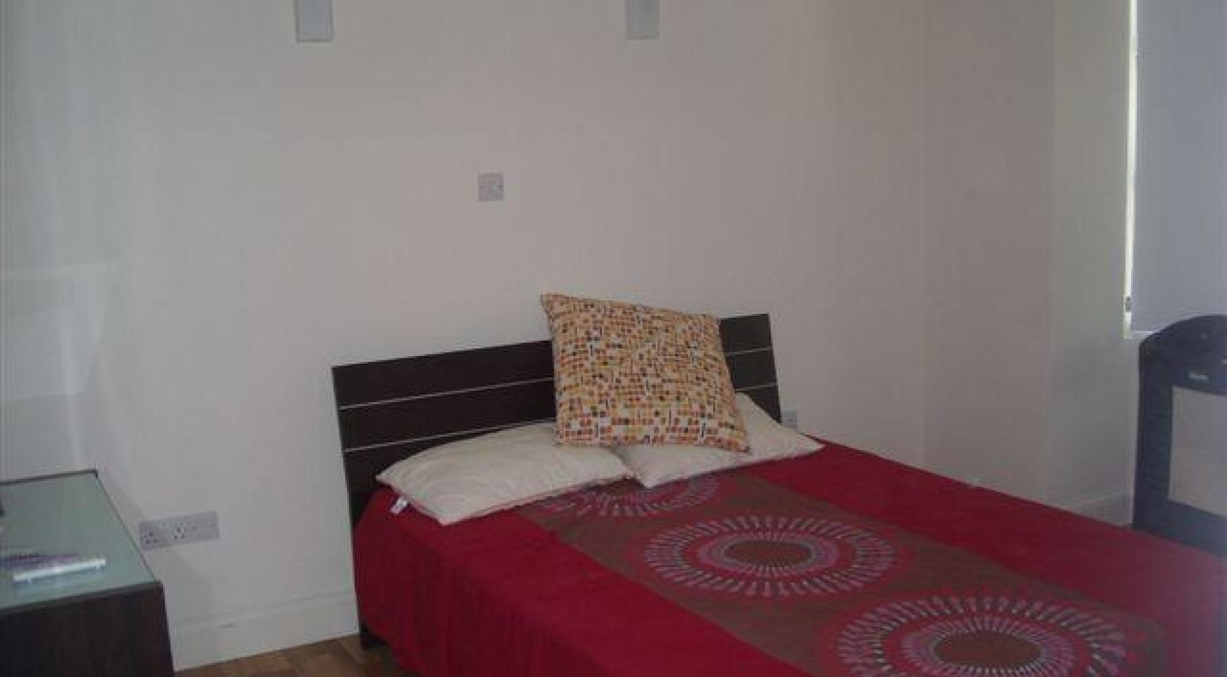 2 Bedroom Apartment in the Town Centre - 5