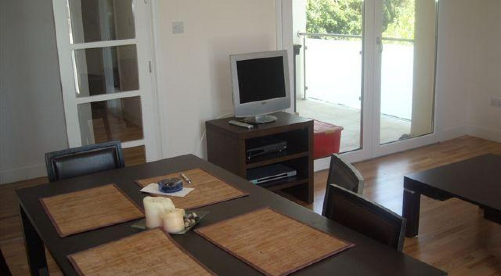 2 Bedroom Apartment in the Town Centre - 3