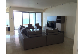 Spacious 3 Bedroom Apartment in an Exclusive Development near the Sea  - 17
