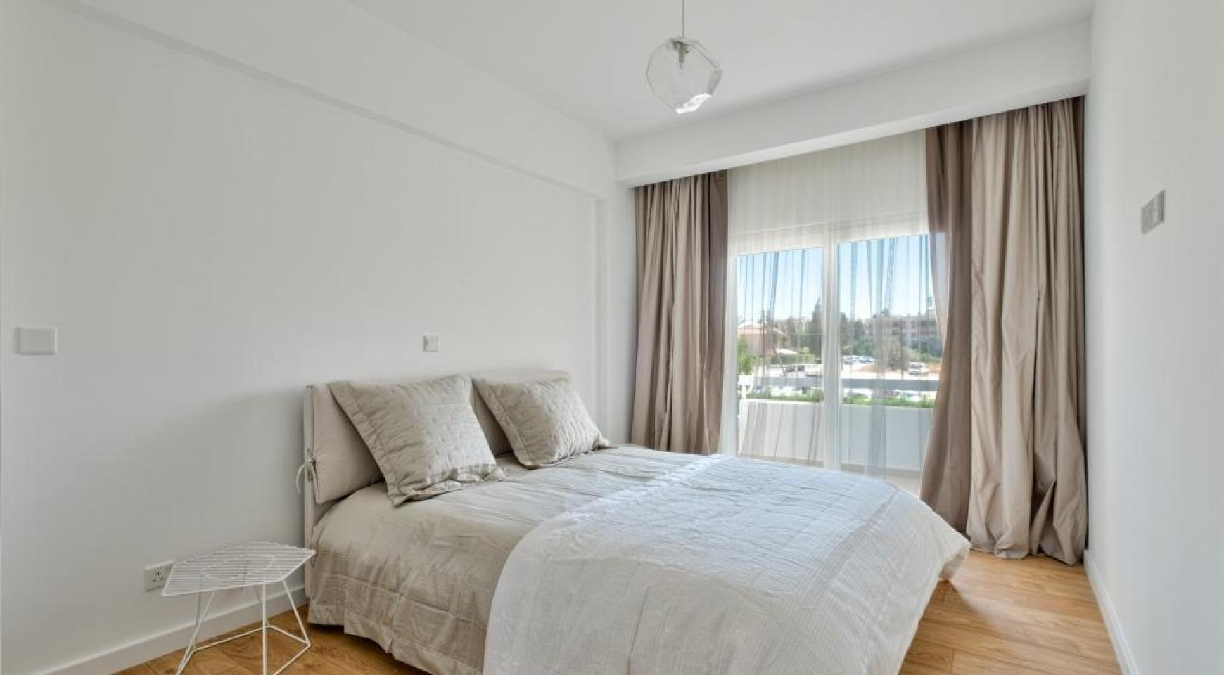 Modern 3 bedroom apartment situated in the Crown Plaza area - 12