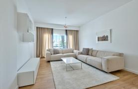 Modern 3 bedroom apartment situated in the Crown Plaza area - 17