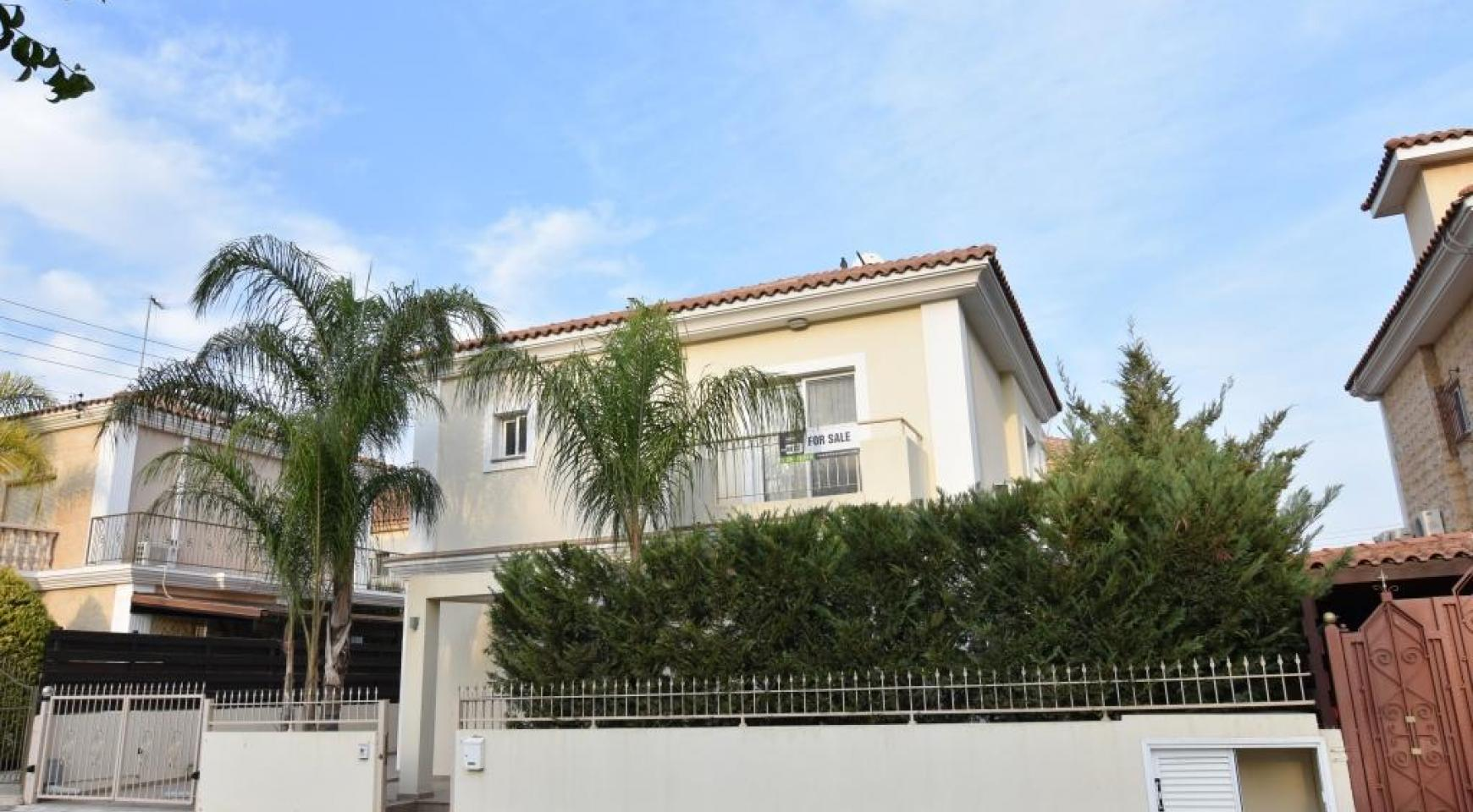 Contemporary 3 bedroom house situated  in the Papas area - 1