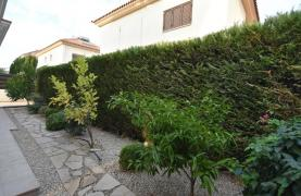 Contemporary 3 bedroom house situated  in the Papas area - 37