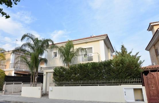 Contemporary 3 bedroom house situated  in the Papas area