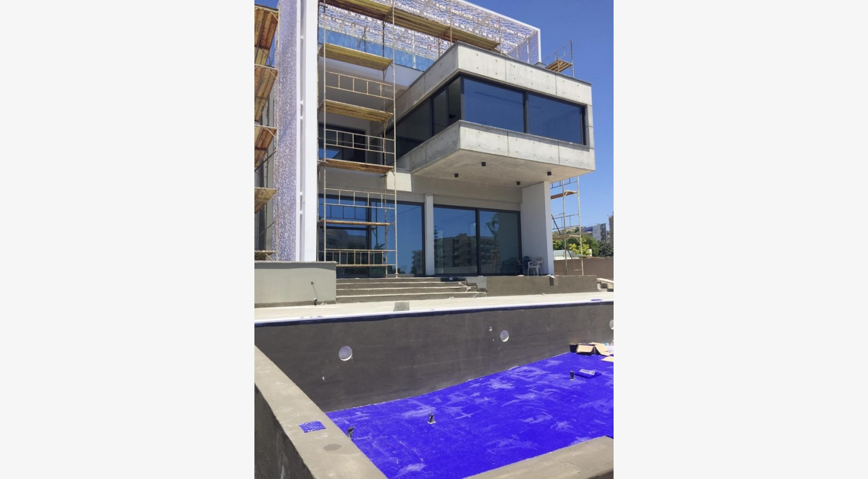 Exclusive Modern 5 Bedroom Villa with Fantastic Sea Views - 6