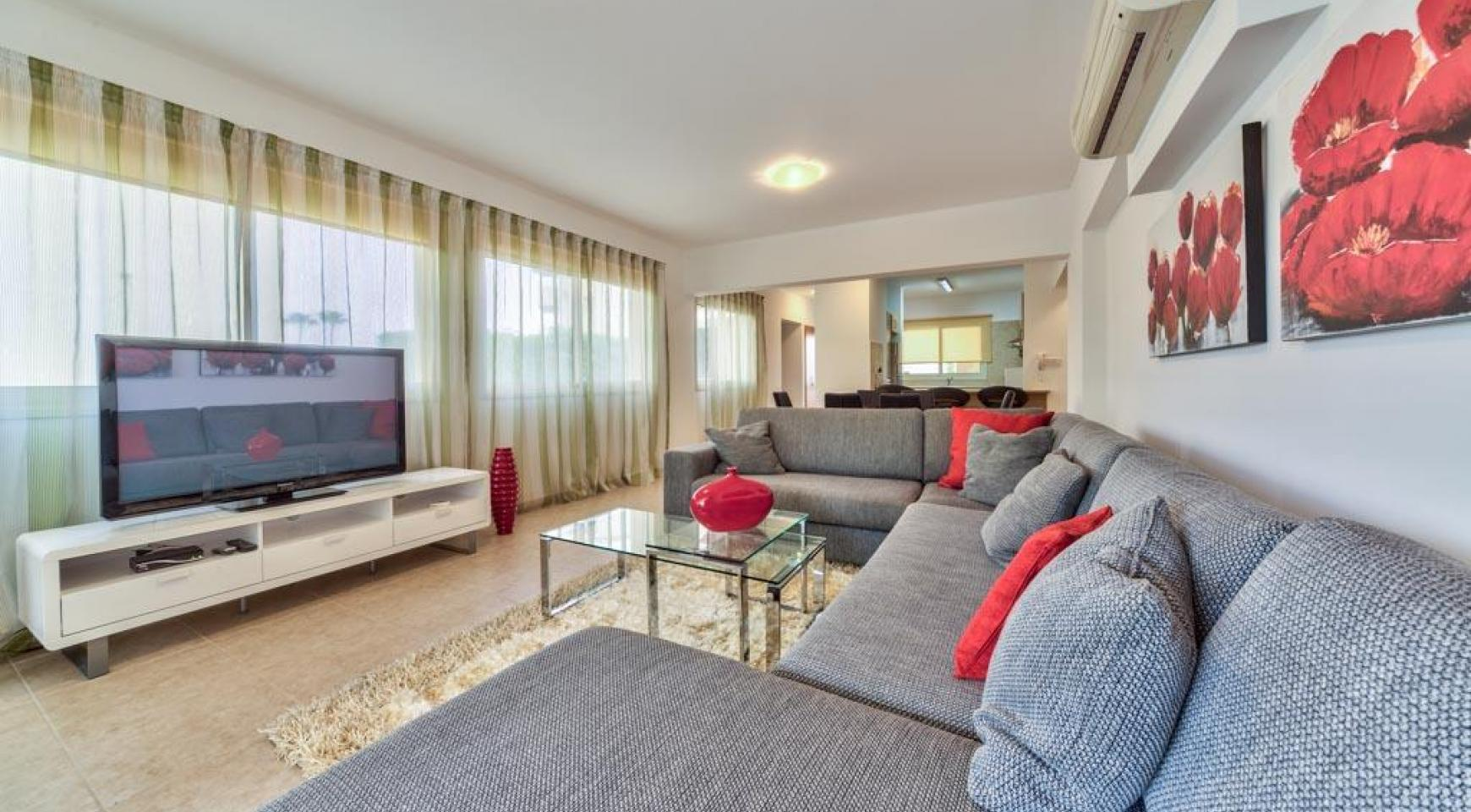 3 Bedroom Apartment in the Centre of the Tourist Area - 1