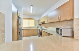 3 Bedroom Apartment in the Centre of the Tourist Area - 14