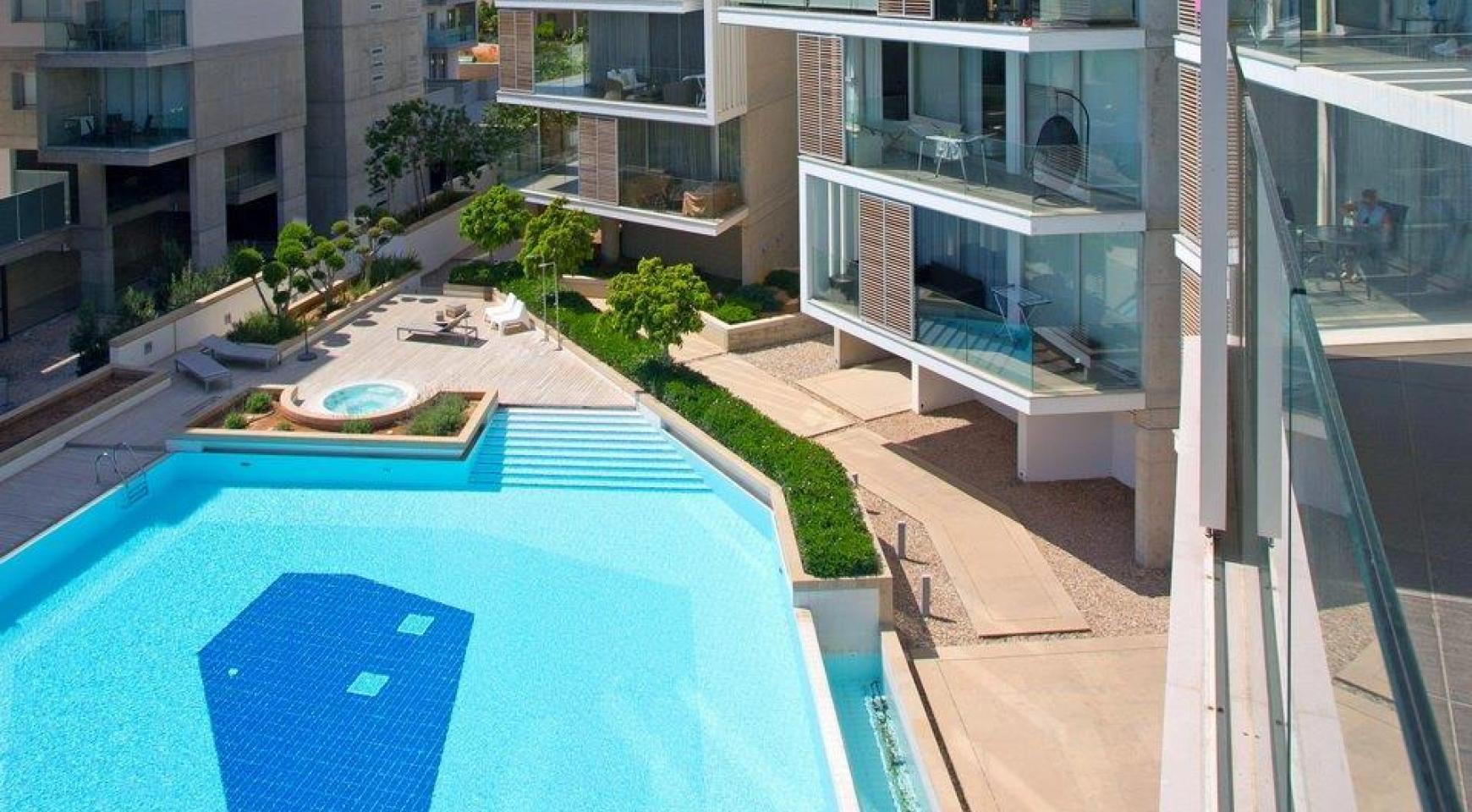 Luxury 3 bedroom apartment in a prestigious complex - 7