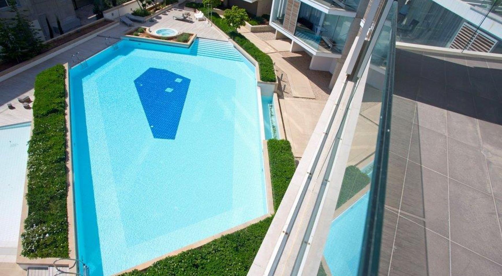 Luxury 3 bedroom apartment in a prestigious complex - 9