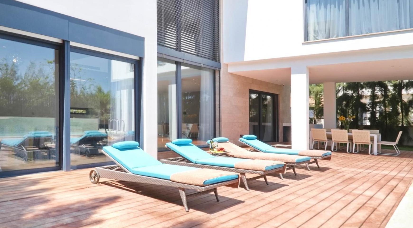 New Luxurious 4 Bedroom Villa in the Tourist Area - 3