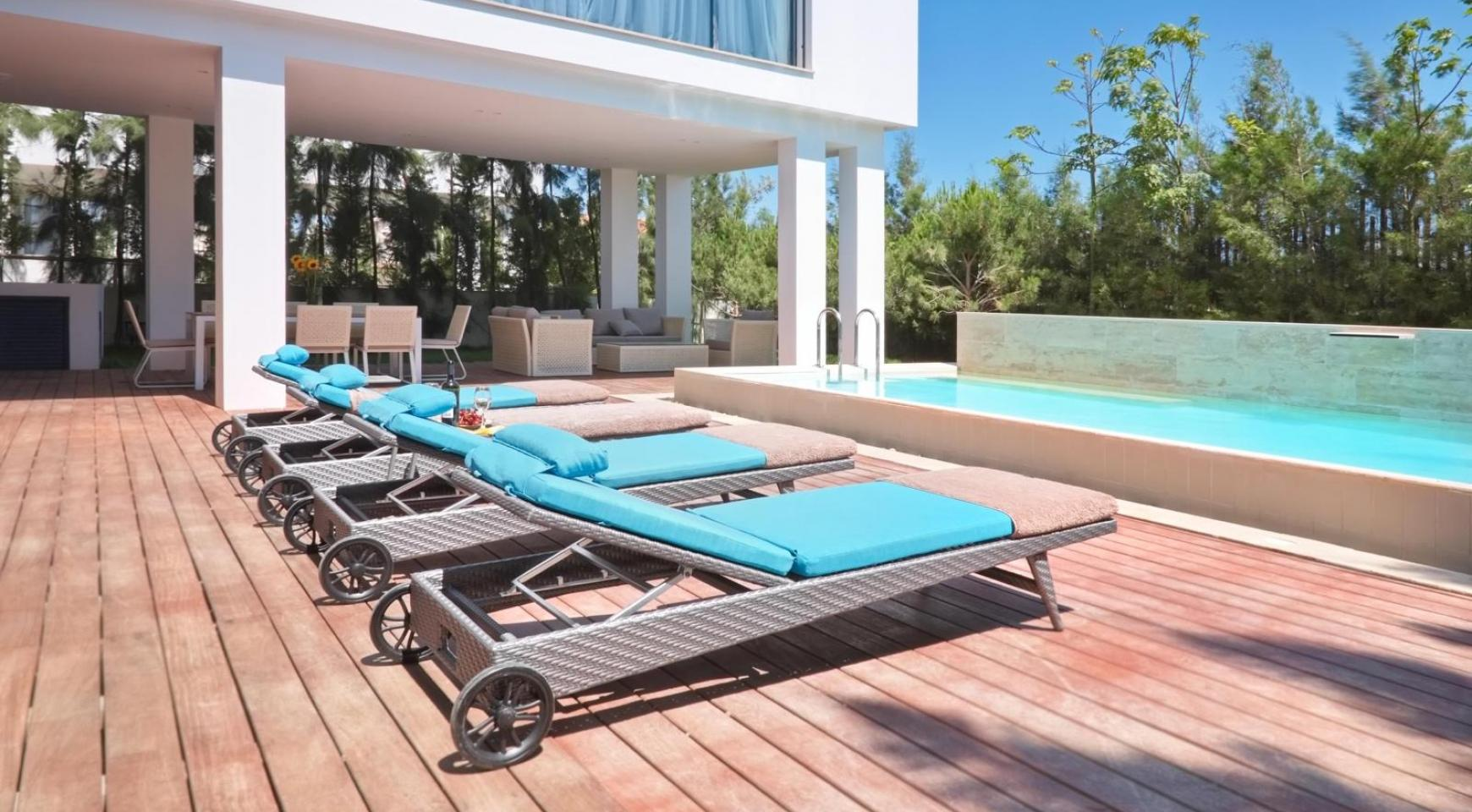 New Luxurious 4 Bedroom Villa in the Tourist Area - 1