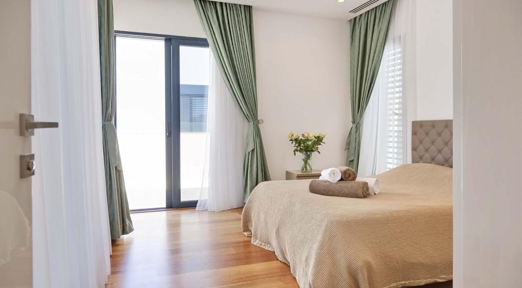 New Luxurious 4 Bedroom Villa in the Tourist Area - 34