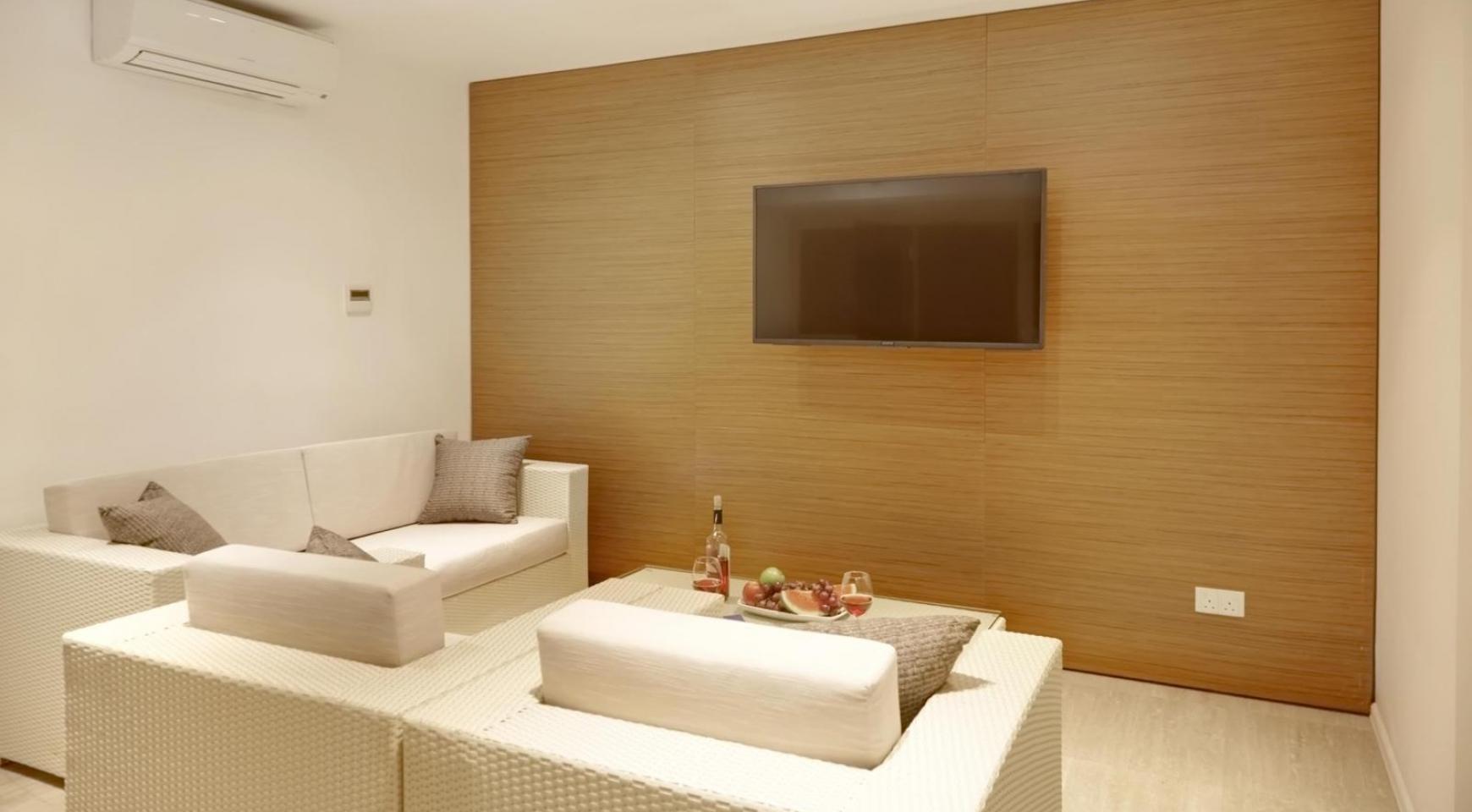 New Luxurious 4 Bedroom Villa in the Tourist Area - 41