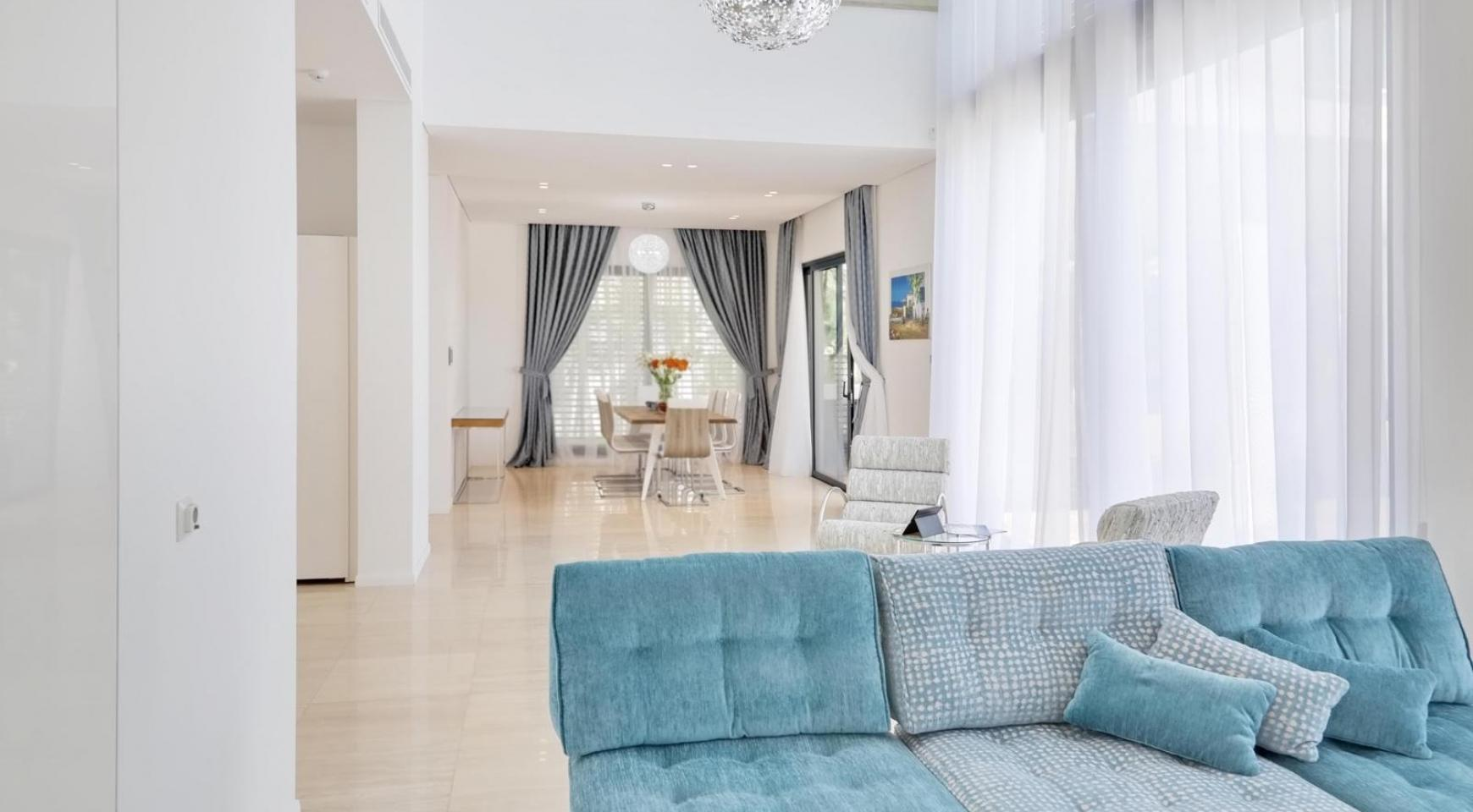New Luxurious 4 Bedroom Villa in the Tourist Area - 13