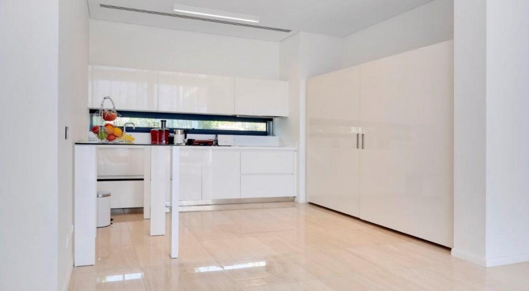 New Luxurious 4 Bedroom Villa in the Tourist Area - 24