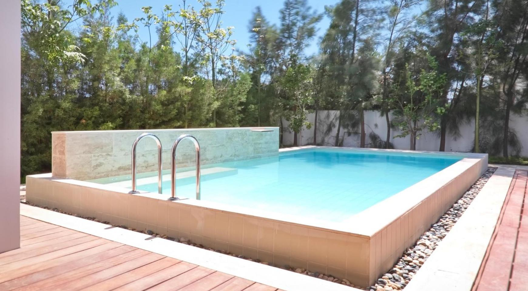 New Luxurious 4 Bedroom Villa in the Tourist Area - 2