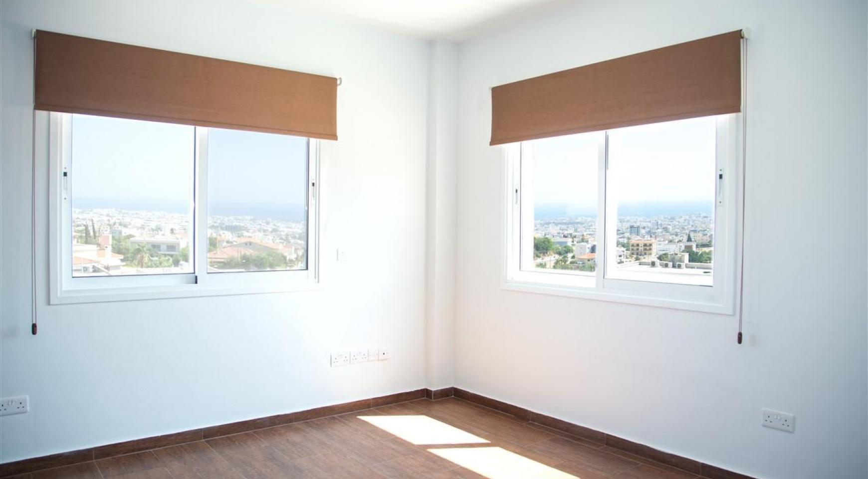 One Bedroom Apartment with Amazing Sea and Mountain Views - 15