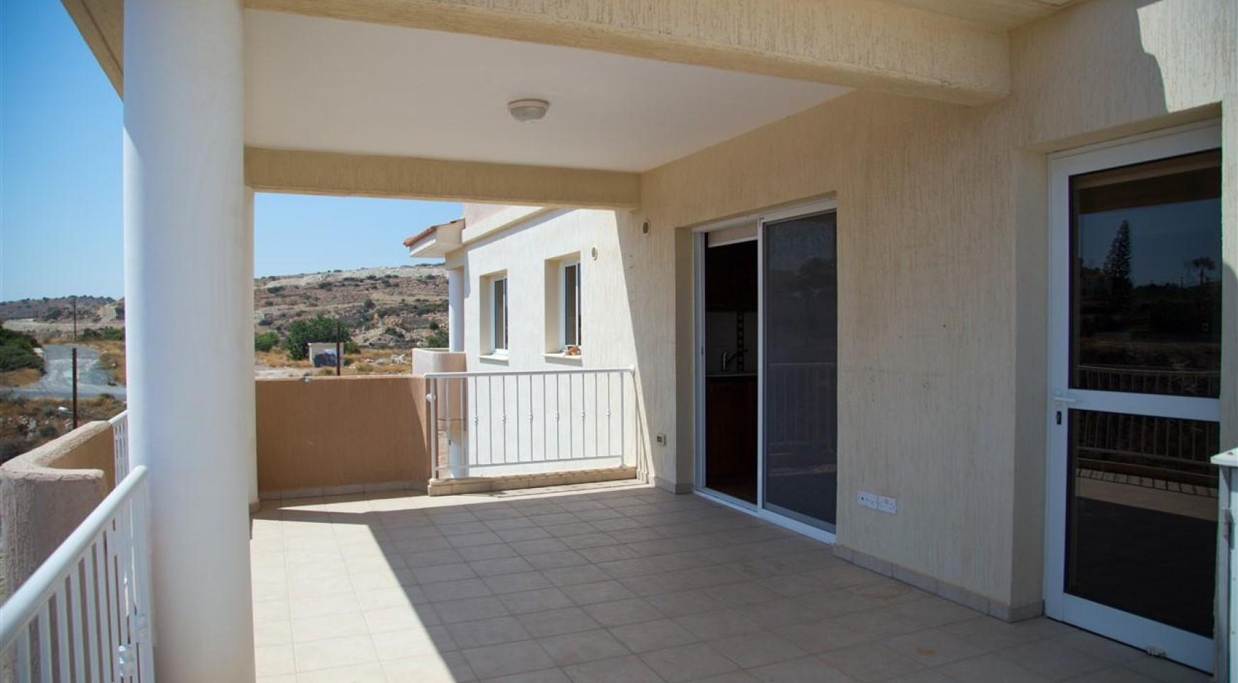 One Bedroom Apartment with Amazing Sea and Mountain Views - 4