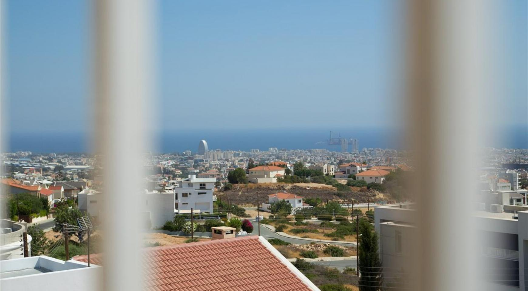 One Bedroom Apartment with Amazing Sea and Mountain Views - 5