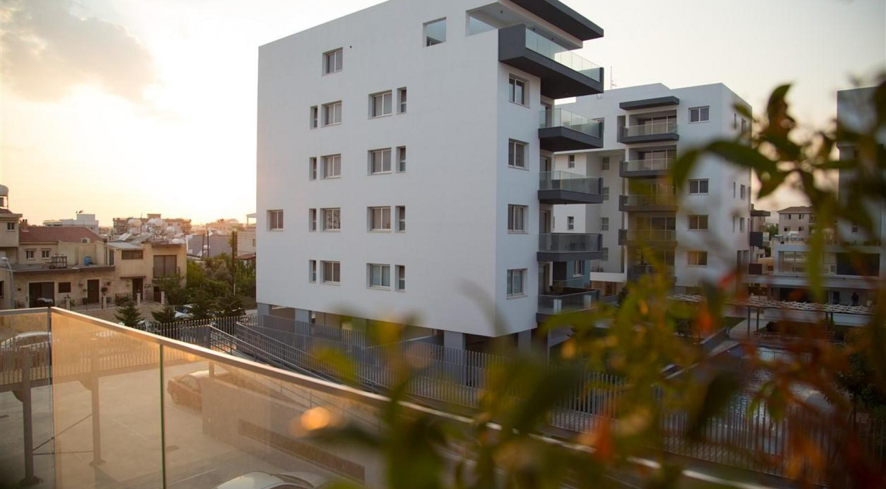 Luxury One Bedroom Apartment in a New Complex - 30